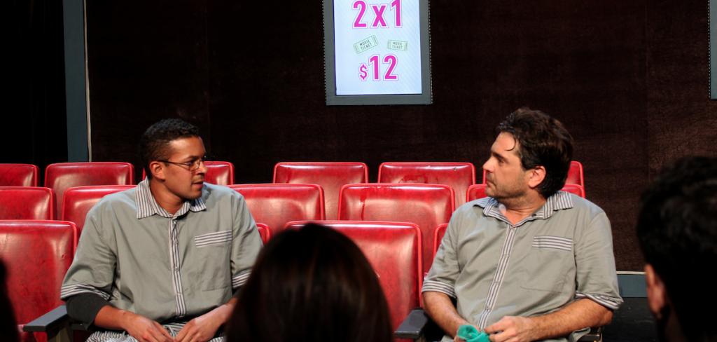 Pierre Louis y Martín Altomaro en una escena de Cinema 35.