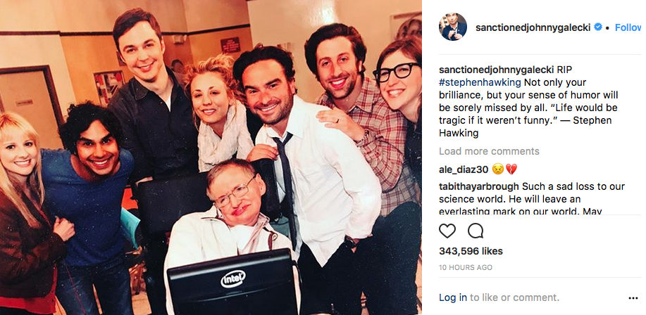 Johnny Galecki con Stephen Hawking