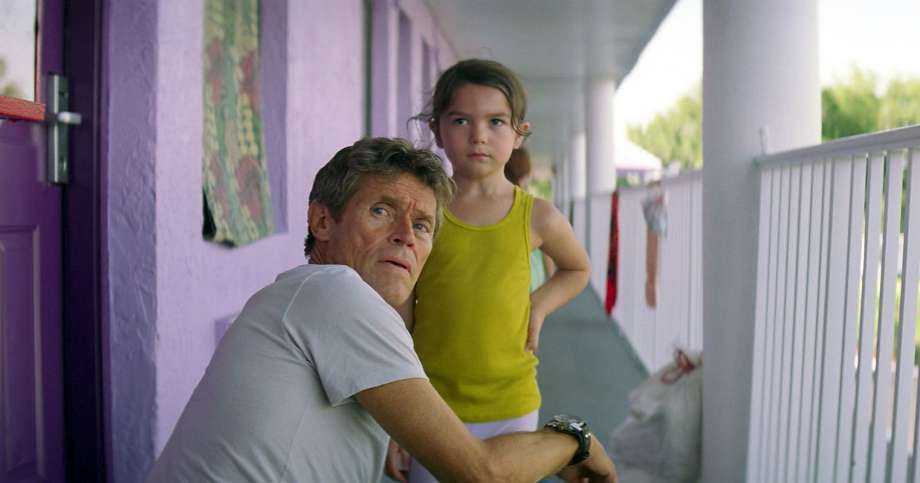 Willem Dafoe Y Brooklynn Prince en The Florida Project.