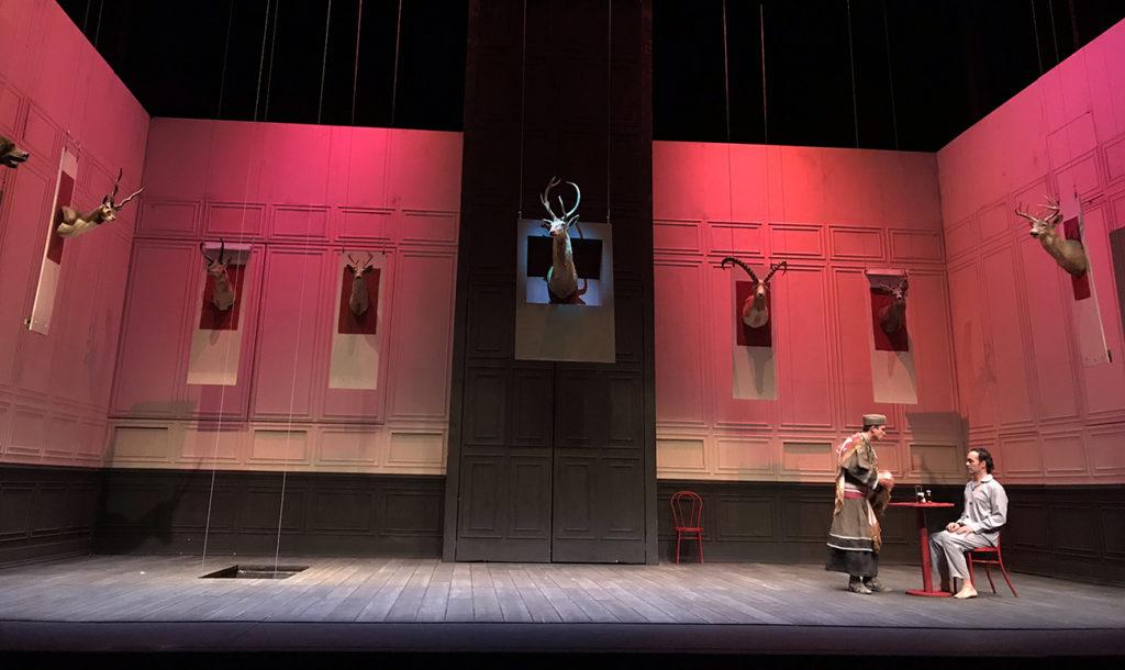 Ejemplo de la escenografía e iluminación de Tanya Orellana y Marías Gorlero.