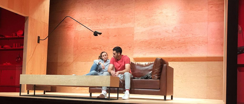 Straight en el Teatro Milán.