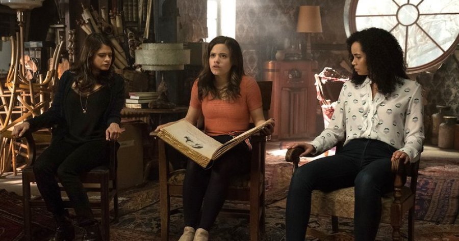 El reboot de Charmed se ve tan terrible como esperabas