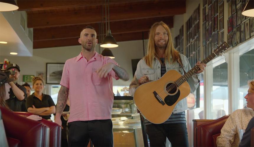 La serie que el video de Sugar de Maroon 5 inspiró