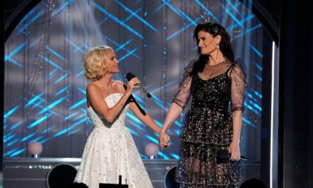 Videos: Ariana, Idina, Kristin, Pentatonix en los 15 de Wicked