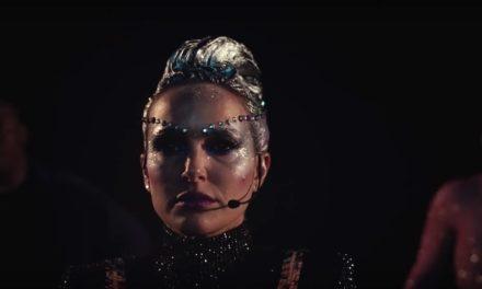Natalie Portman se transformó en una especie de Lady Gaga