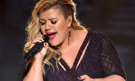 Kelly Clarkson cantando The Greatest Showman es magia pura