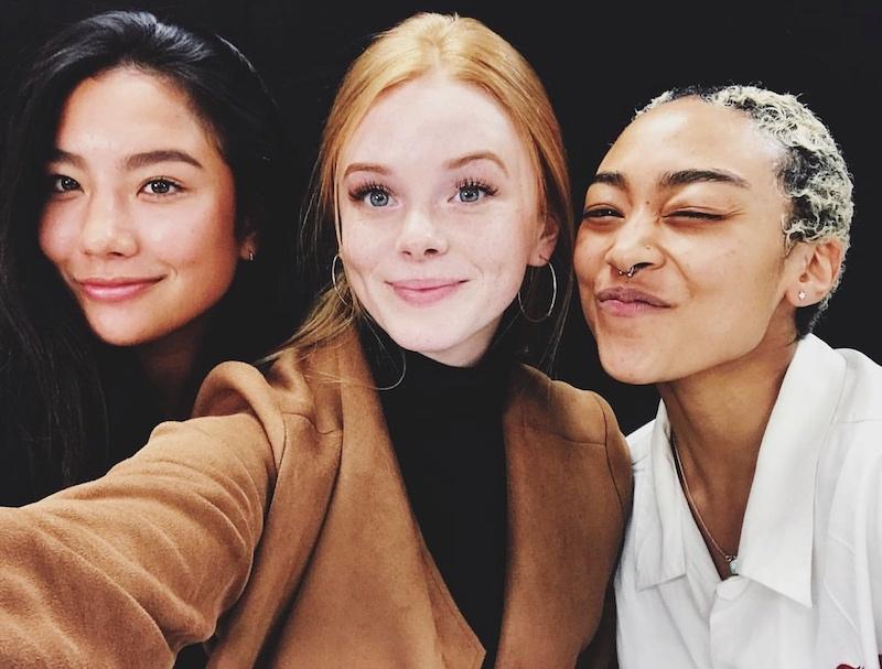 Las actrices que interpretan a las Weird Sisters en Sabrina
