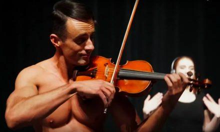 El opening de La La Land, versión violinista shirtless