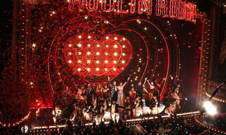 El divertido número curtain call de Moulin Rouge