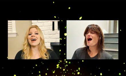 Idina Menzel y Megan Hilty cantan For Good