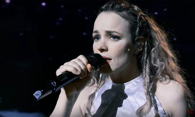 ¿Quién es la voz de Rachel McAdams en Eurovision?
