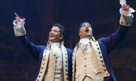 Escucha a Jordan Fisher cantar como Burr de Hamilton