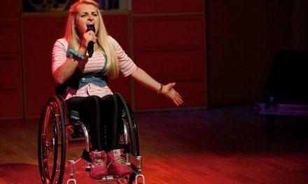 De cómo esta ex etrella de Glee conquistó Broadway